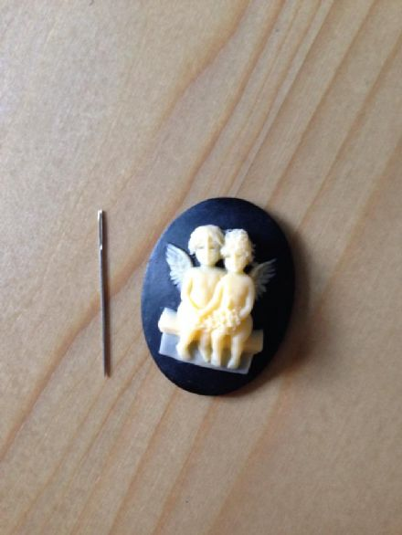 Love Angels Cameo Needle Minder